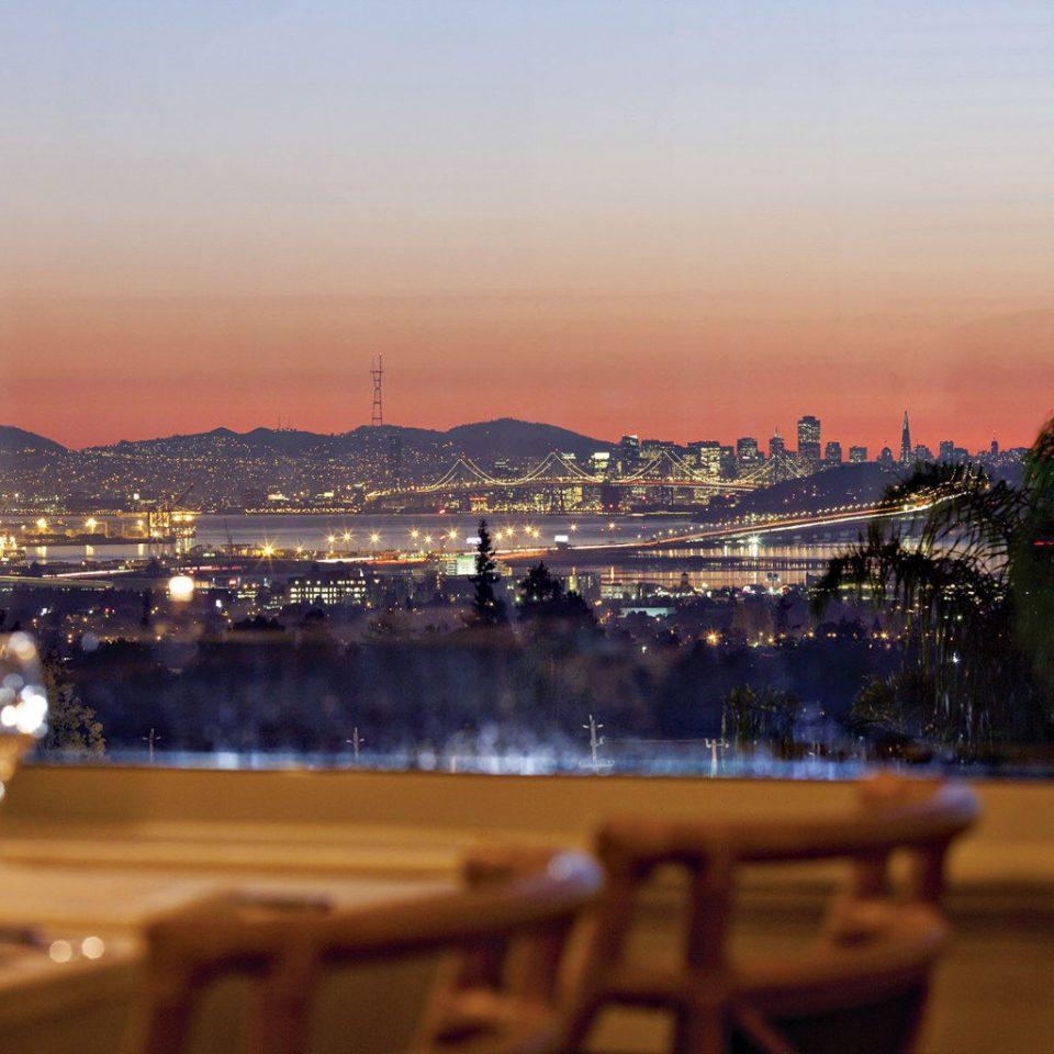 Bar Dining Drink Eat Elegant sky Sunset evening morning dusk skyline cityscape palm