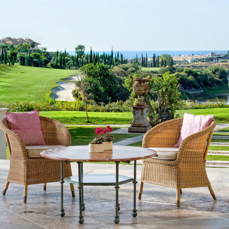 Bar Dining Drink Eat Elegant sky tree grass leisure property Resort home backyard outdoor structure Garden Villa