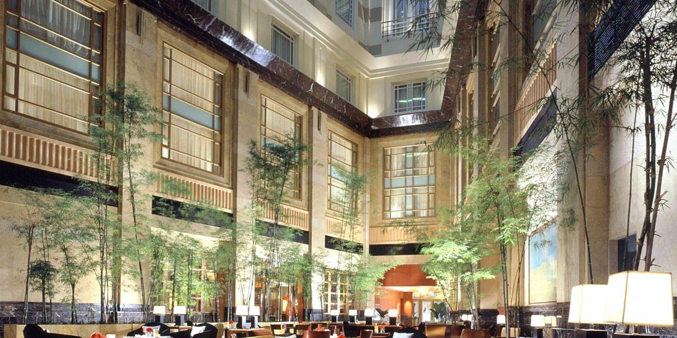 Bar Dining Drink Eat Hip Hotels Modern Romantic plaza restaurant scene condominium