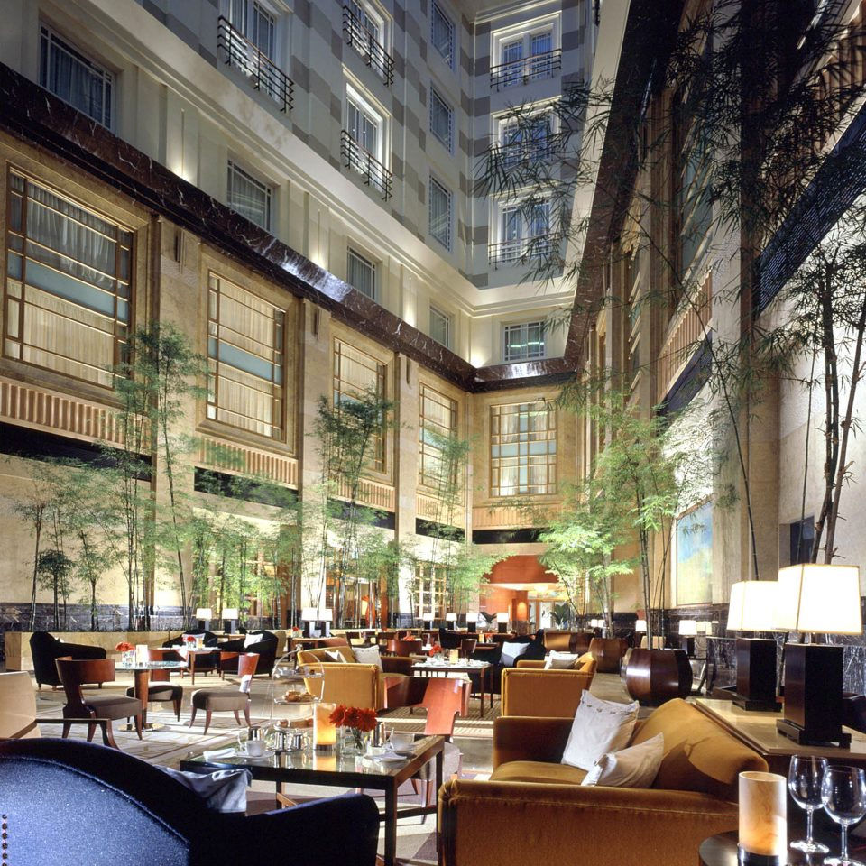 Bar Dining Drink Eat Hip Hotels Modern Romantic plaza restaurant scene condominium