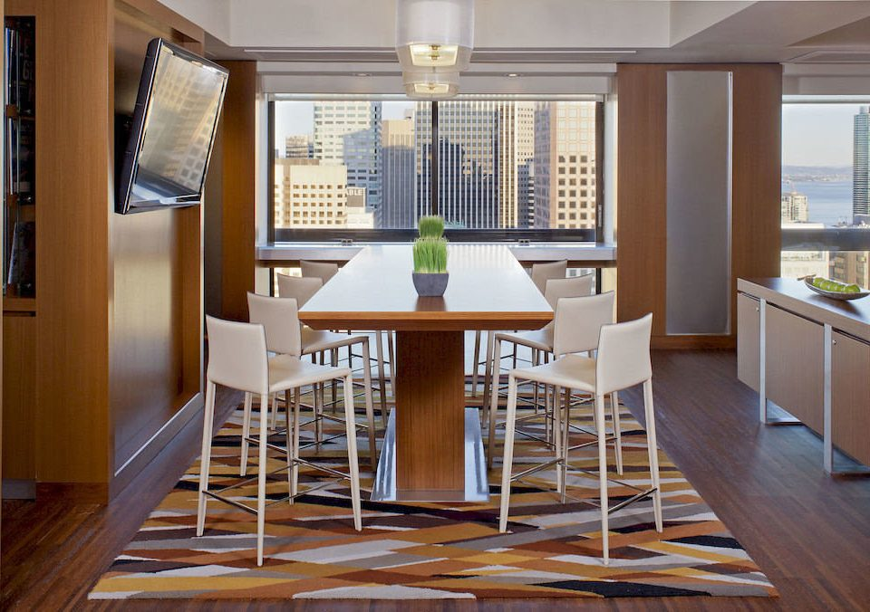 Bar Dining Drink Eat Elegant Luxury property chair home hardwood condominium living room wooden wood flooring cottage dining table