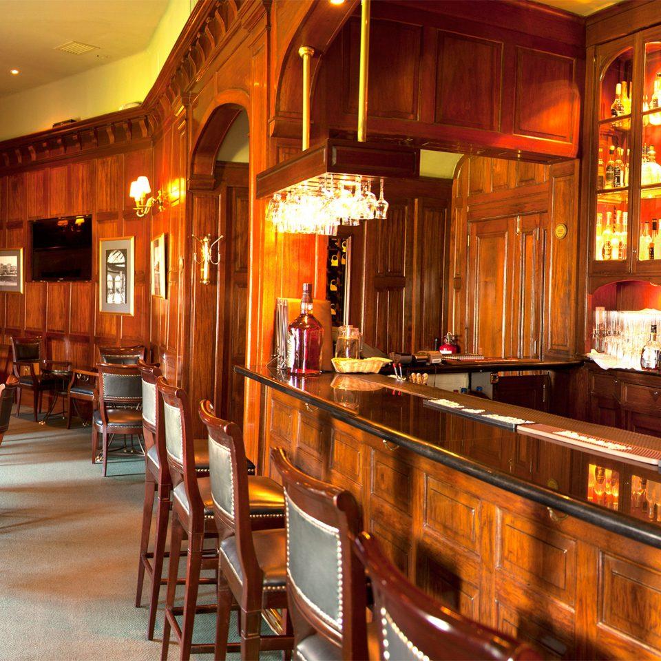 Bar Drink Eat Resort restaurant Dining