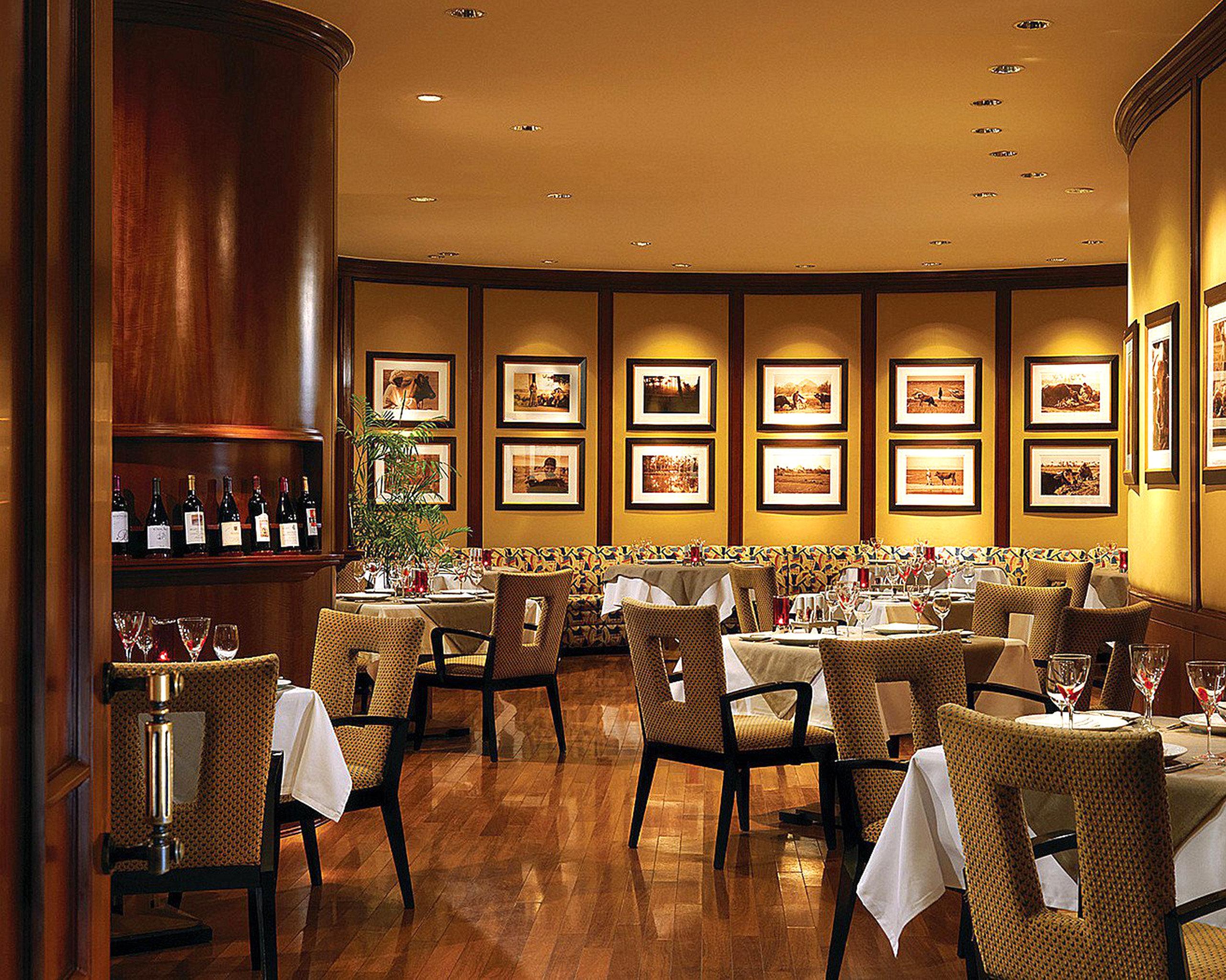Dining Drink Eat Modern restaurant café function hall Bar Lobby