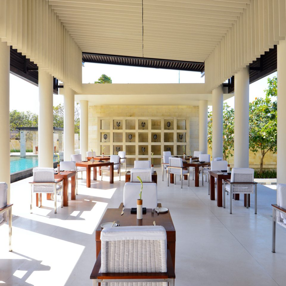 Bar Dining Drink Eat Elegant Pool chair Resort leisure building property restaurant porch wooden Villa white palace function hall hacienda convention center condominium overlooking
