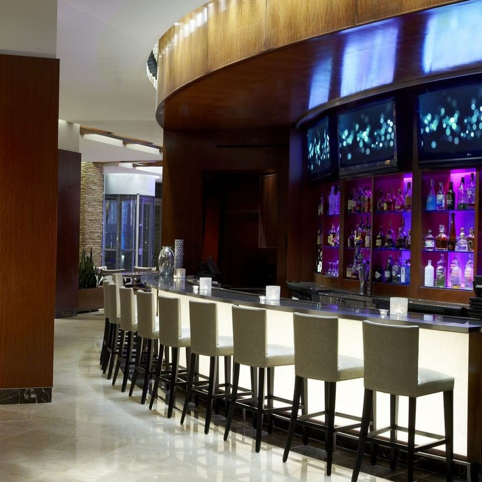 Bar Dining Drink Eat Hip Modern building auditorium Lobby function hall convention center restaurant