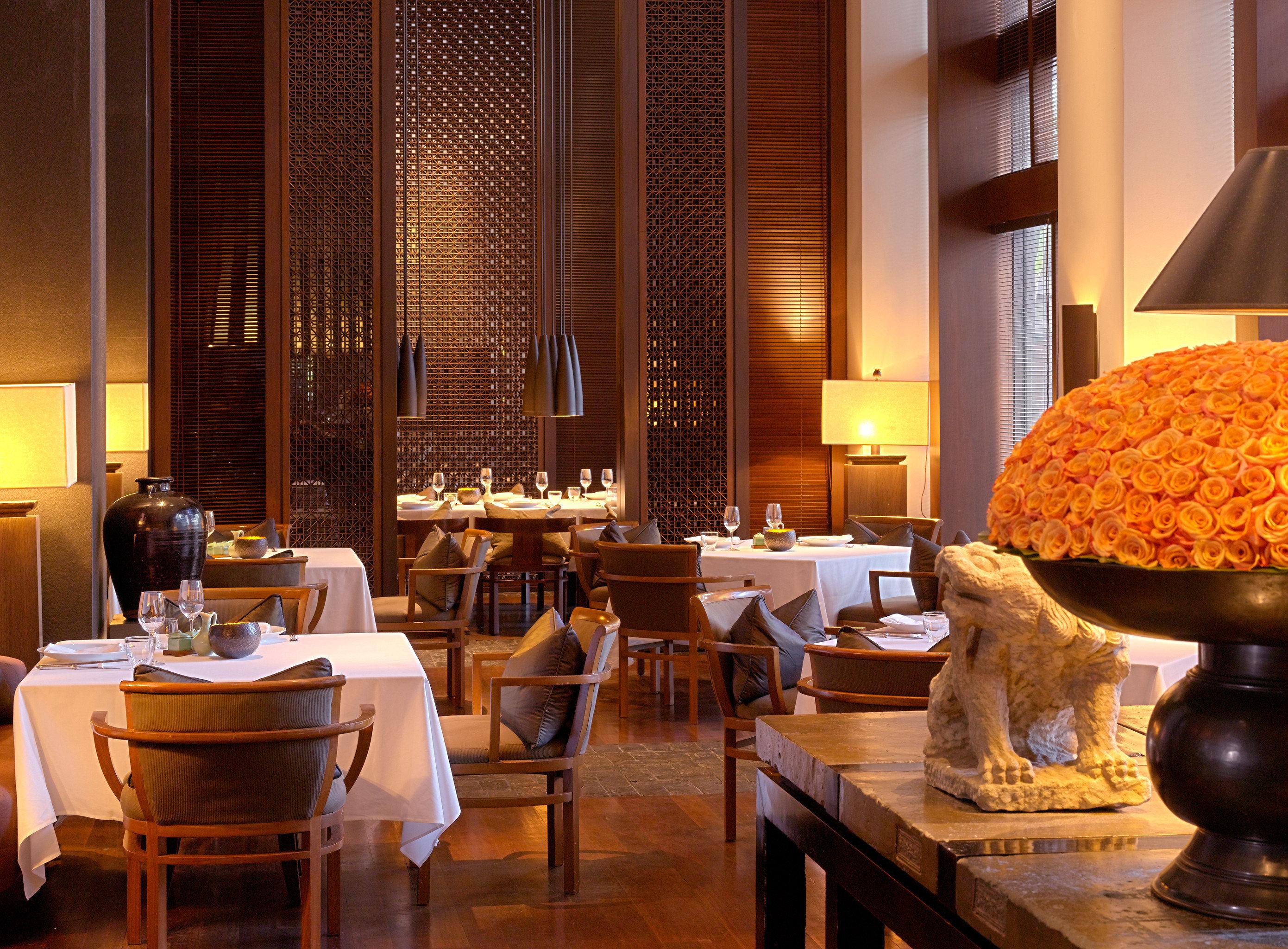Bar Dining Drink Eat Elegant restaurant Lobby lighting café