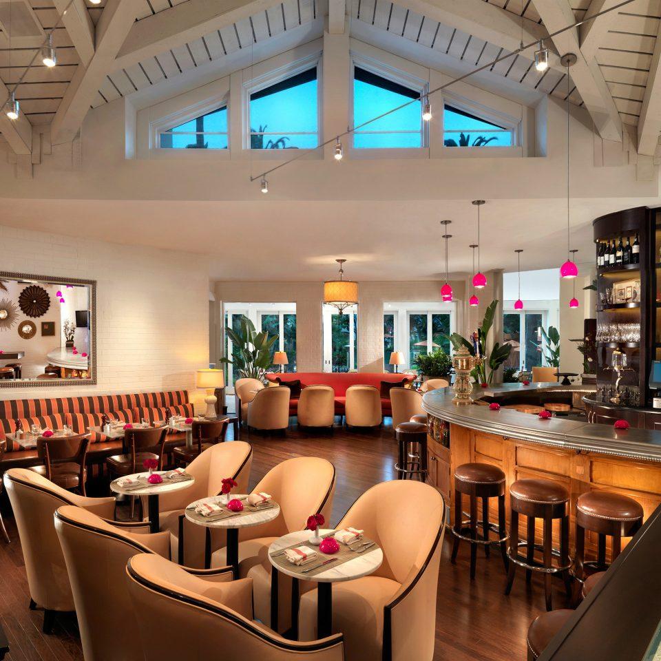 Bar Dining Drink Eat restaurant café food court recreation room