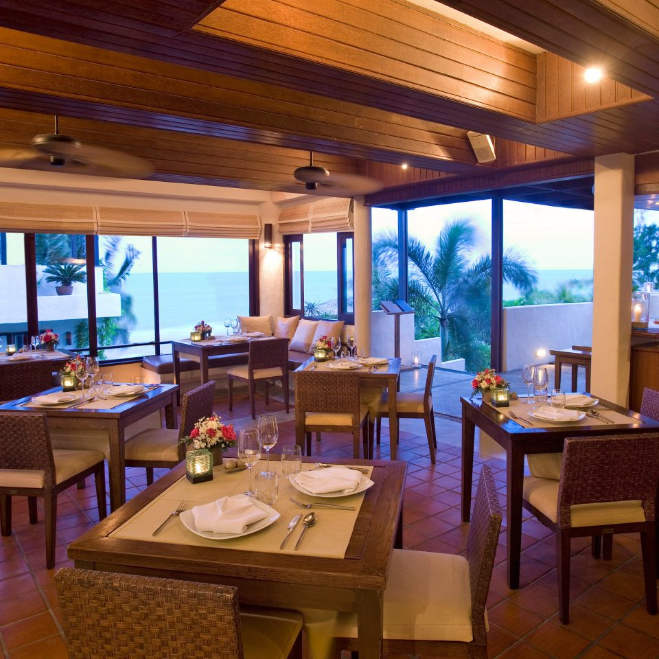 Bar Dining Drink Eat Modern property Resort restaurant home recreation room Villa Island