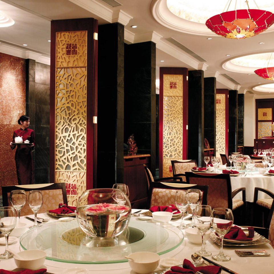 Bar Dining Drink Eat Modern restaurant function hall banquet ballroom set fancy dining table