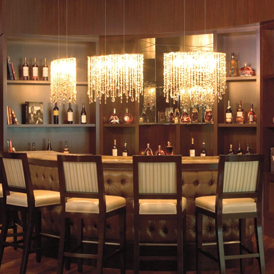 Bar Dining Drink Eat Elegant Wine-Tasting restaurant lit set dining table