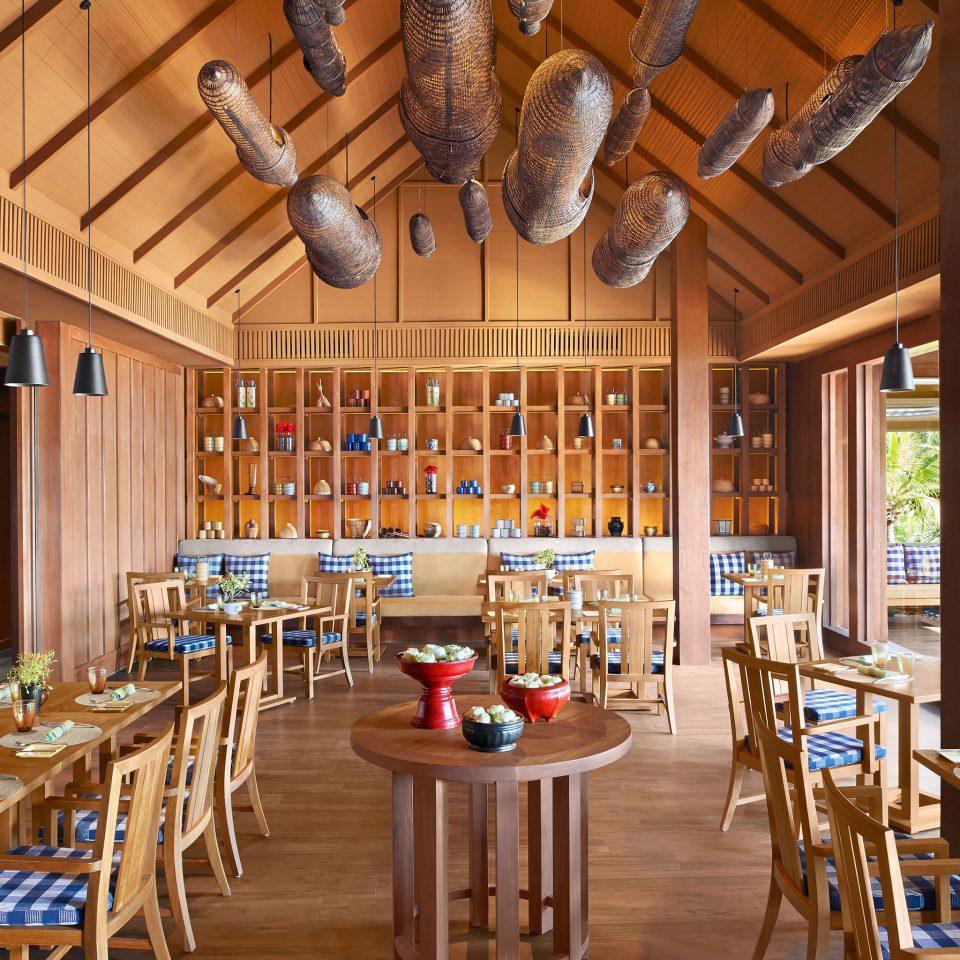 Bar Dining Drink Eat Scenic views Resort restaurant function hall