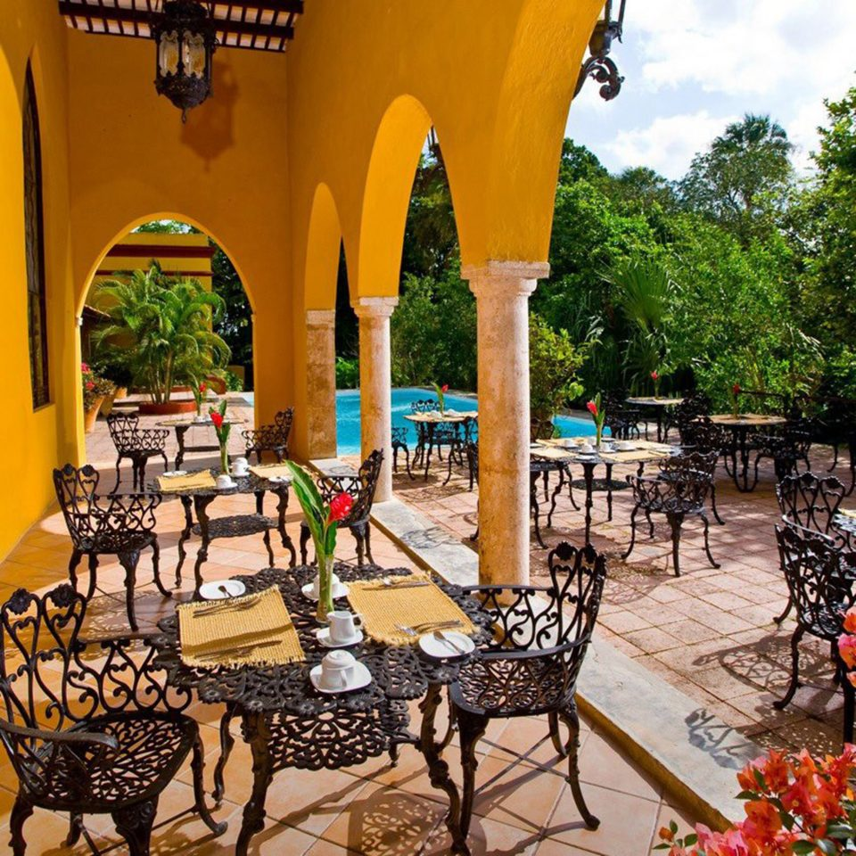 Bar Dining Drink Eat Luxury Rustic ground leisure Resort hacienda Villa restaurant outdoor structure backyard