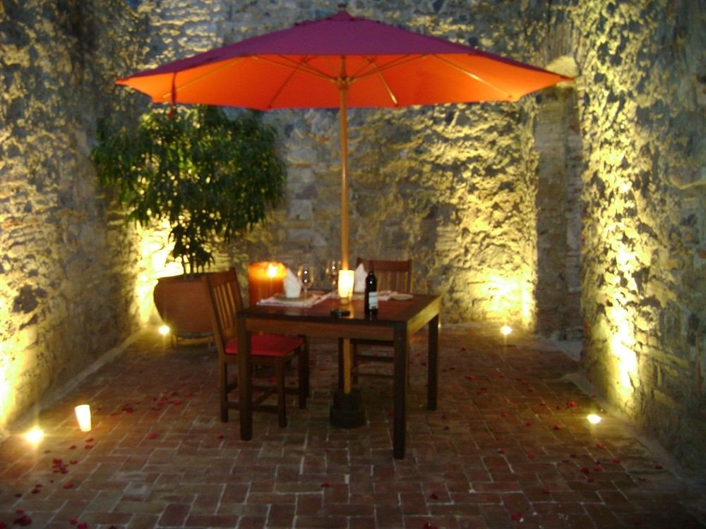 Bar Dining Drink Eat Luxury Modern tree umbrella property hacienda lighting cottage Villa landscape lighting backyard outdoor structure accessory