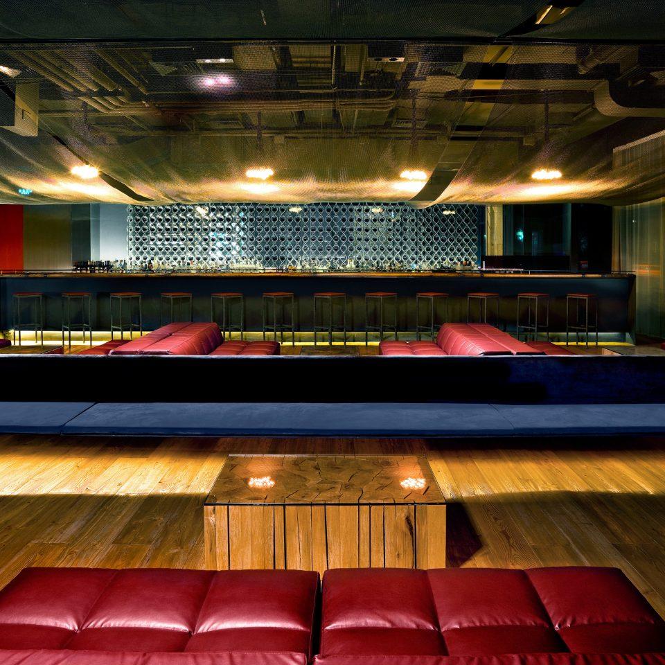 Bar Dining Drink Eat Modern auditorium recreation room billiard room stage sport venue music venue theatre nightclub arena
