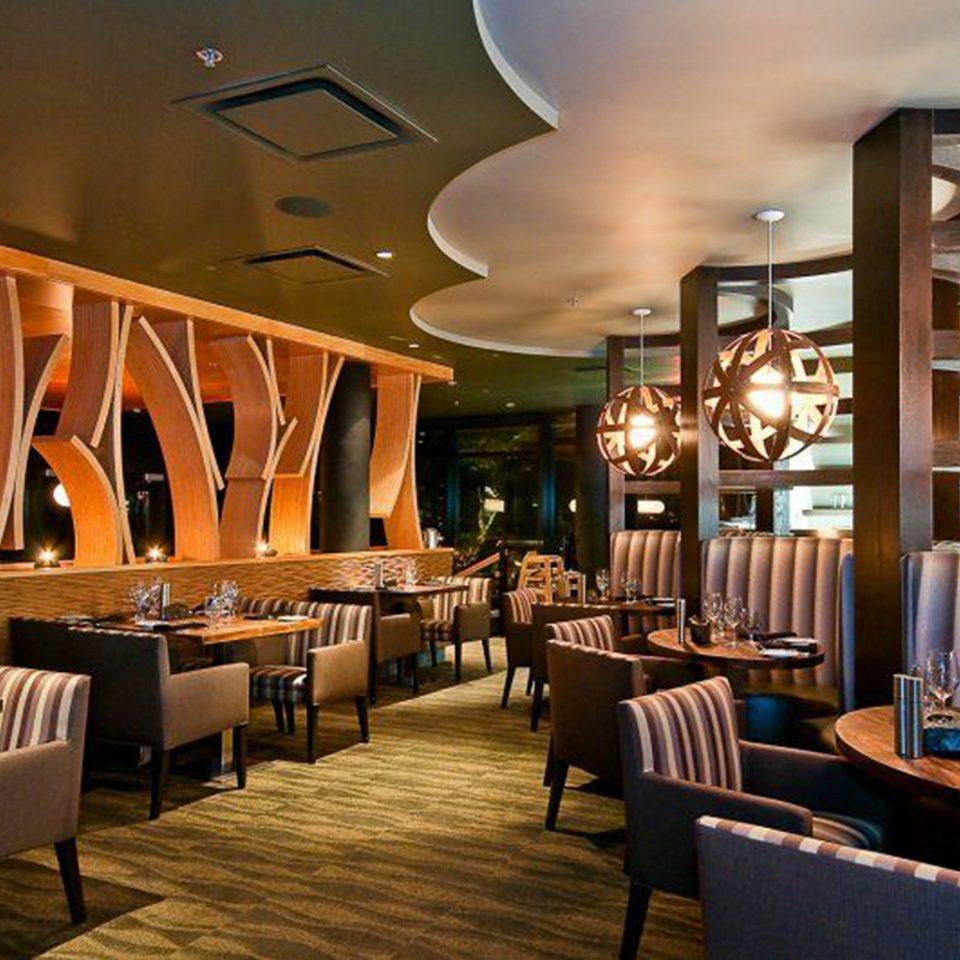 Dining Drink Eat Resort chair restaurant Lobby Bar café function hall set dining table