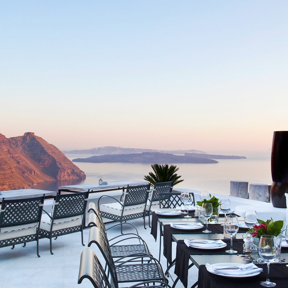 Bar Dining Drink Eat Elegant Trip Ideas sky chair restaurant overlooking set dining table