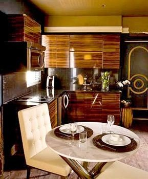 Bar Dining Drink Eat Elegant Hip Modern Scenic views living room Suite home appliance