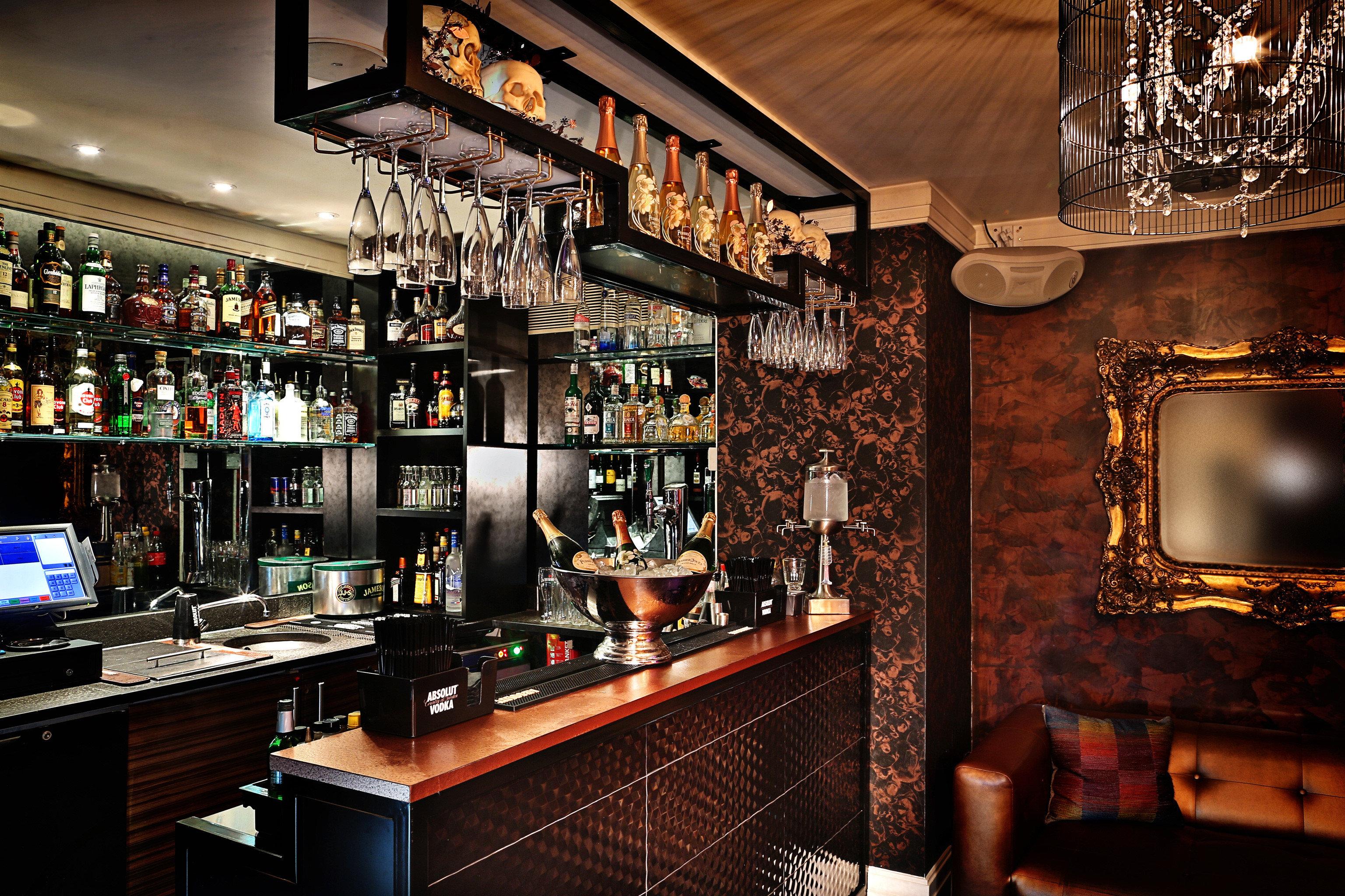 Bar Dining Drink Eat Hip Modern restaurant