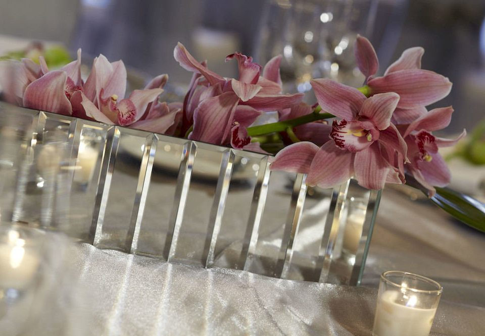 Bar Dining Drink Eat Luxury flower flower arranging pink plant floristry centrepiece land plant petal floral design flowering plant flower bouquet macro photography silver