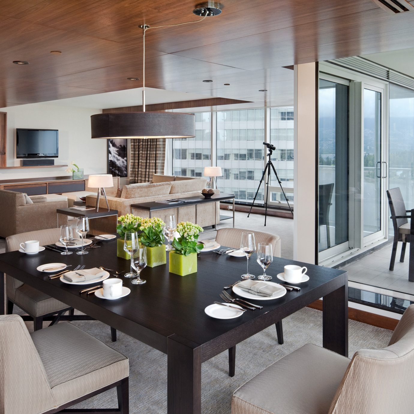 Dining Drink Eat Hotels Modern Scenic views property living room condominium home Suite Villa yacht Island Bar dining table