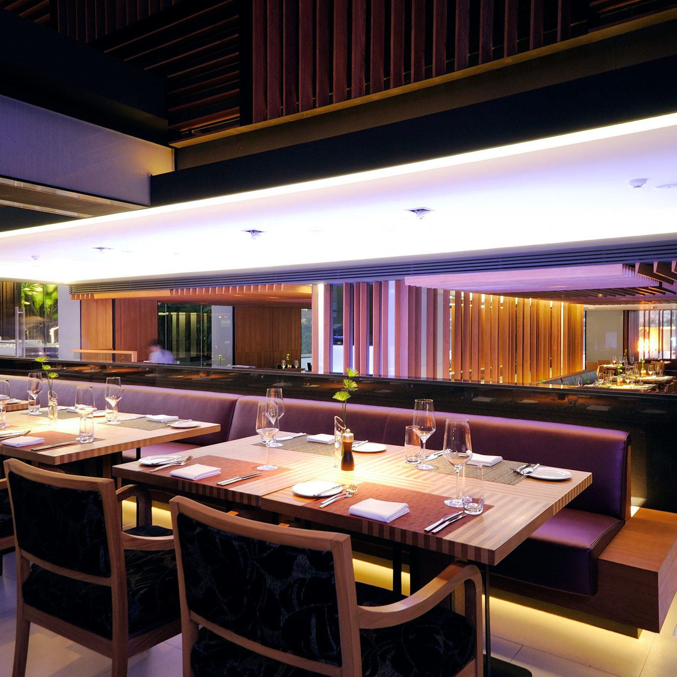 Bar Dining Drink Eat billiard room recreation room function hall restaurant Resort convention center Island
