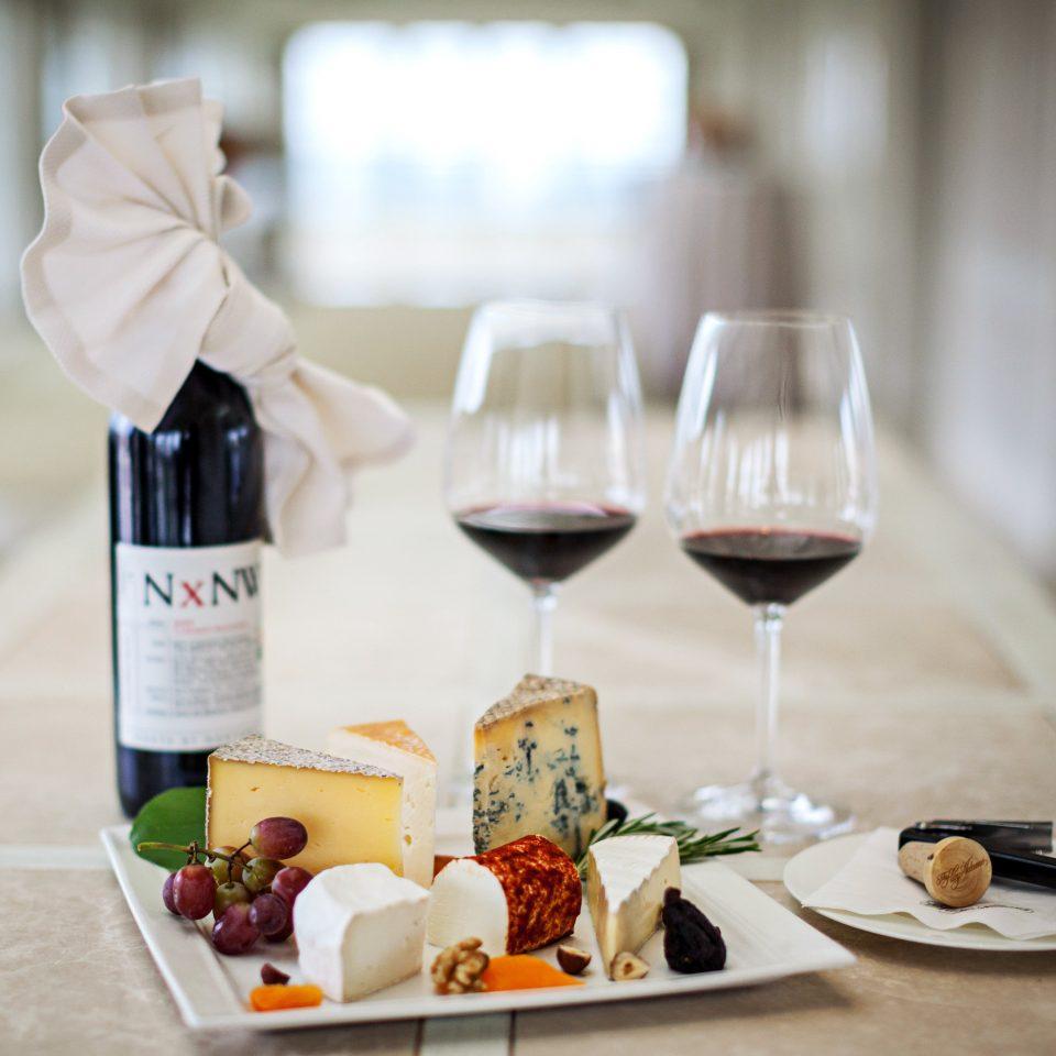 Bar Dining Drink Eat Elegant Hotels Luxury wine brunch lunch sense restaurant food dining table