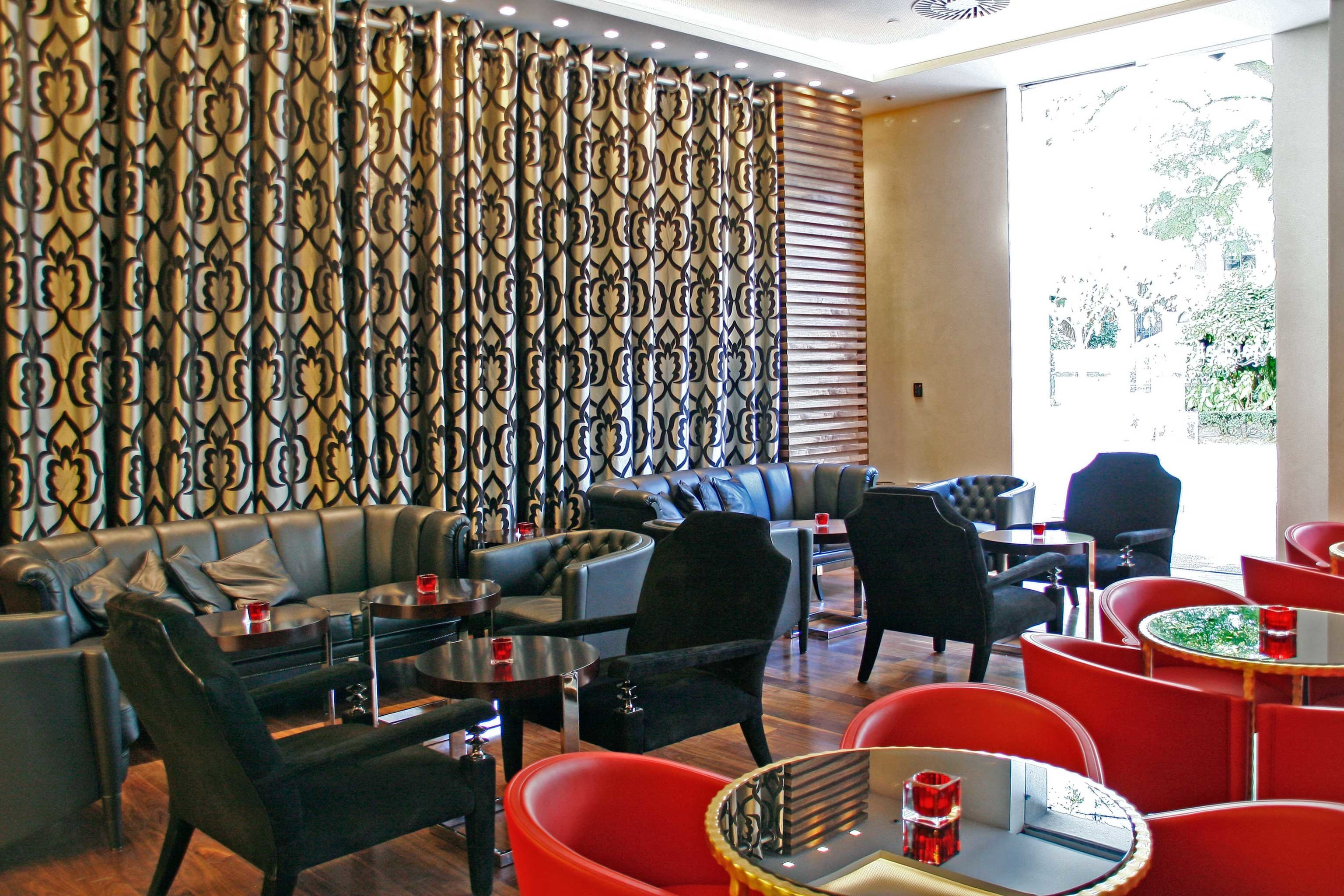 Bar Dining Drink Eat Lounge Luxury chair living room restaurant Lobby cluttered