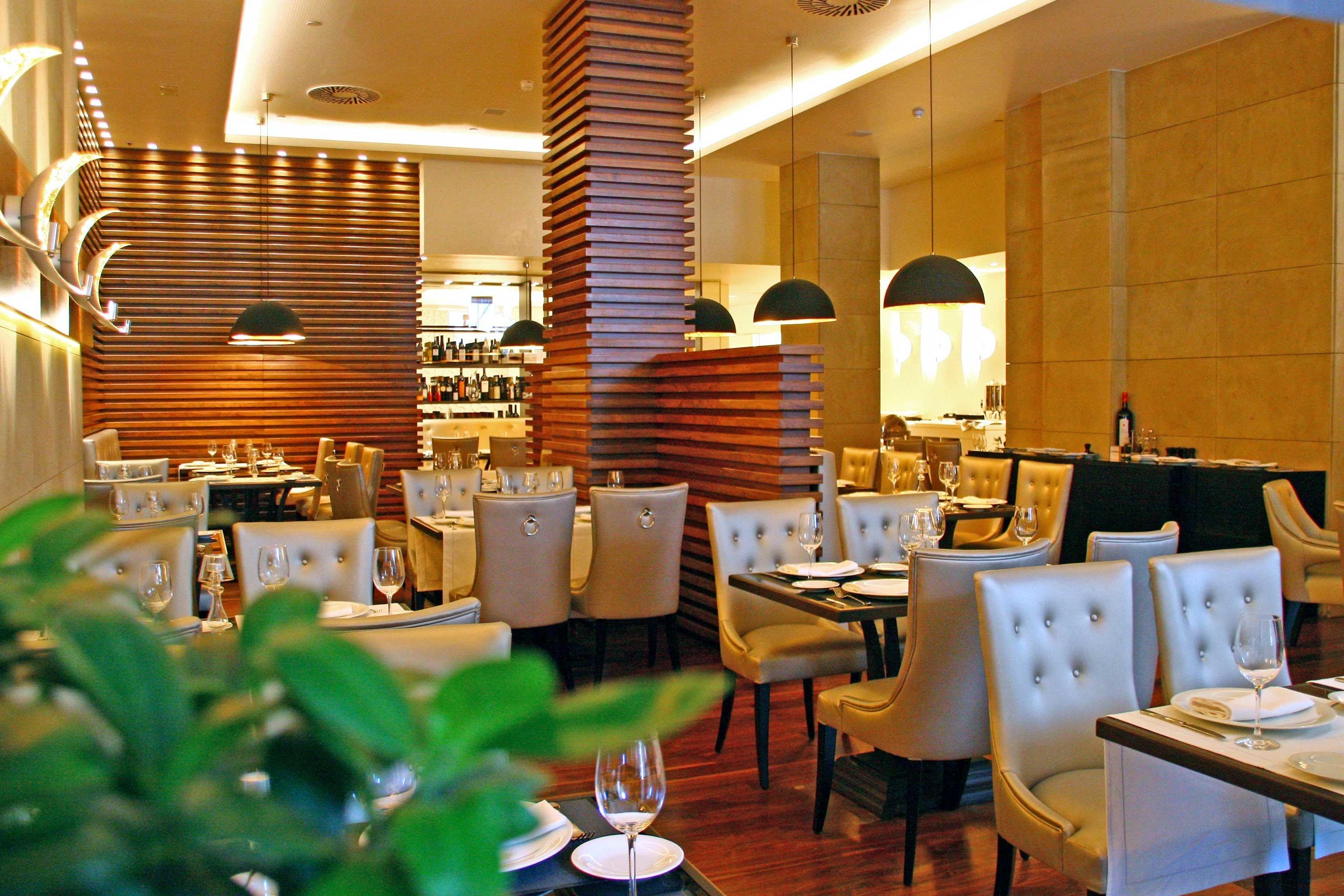 Bar Dining Drink Eat Lounge Luxury restaurant function hall Resort café dining table