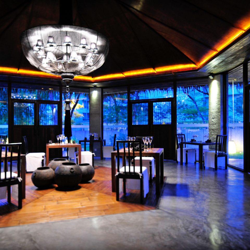 Bar Dining Drink Eat Elegant Luxury Modern restaurant scene lighting nightclub