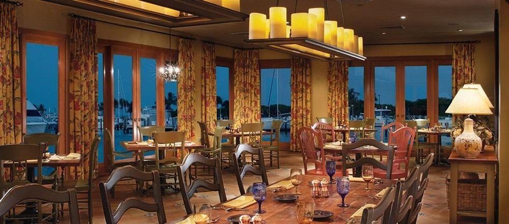 Bar Dining Drink Eat Elegant Luxury chair property restaurant Resort overlooking dining table