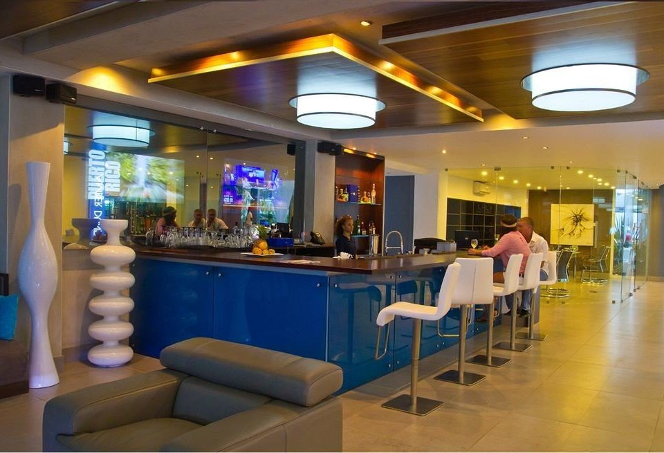 Bar Dining Drink Eat Lounge recreation room restaurant function hall Lobby Resort cafeteria food court