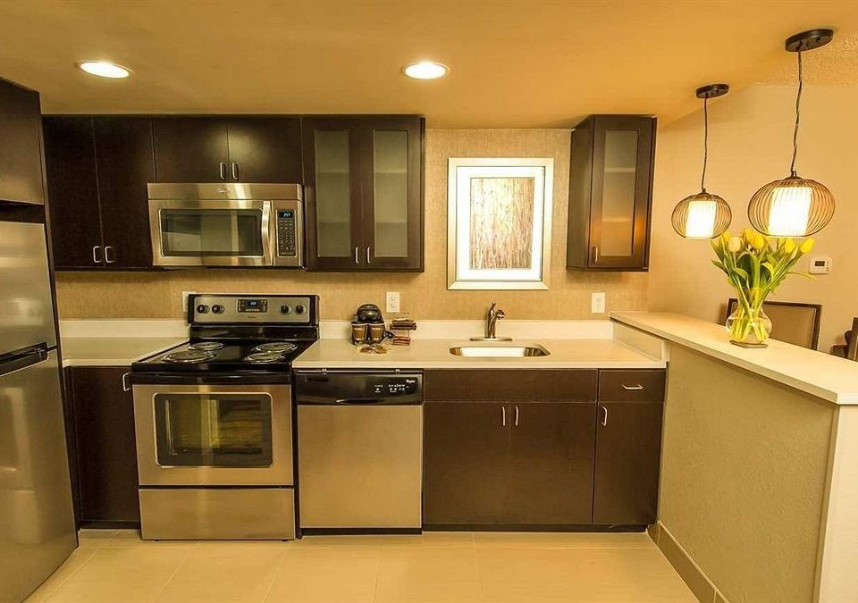 Bar Dining Drink Eat Lounge Luxury Modern Kitchen property home cabinetry countertop cuisine classique stove oven cottage appliance stainless kitchen appliance