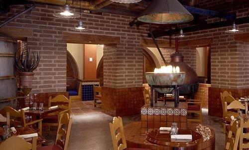 Bar Dining Drink Eat Modern chair property restaurant Resort cottage tavern