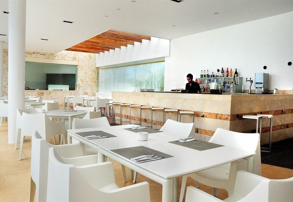 Bar Dining Drink Eat Hip Luxury Modern property Kitchen restaurant counter cuisine Island