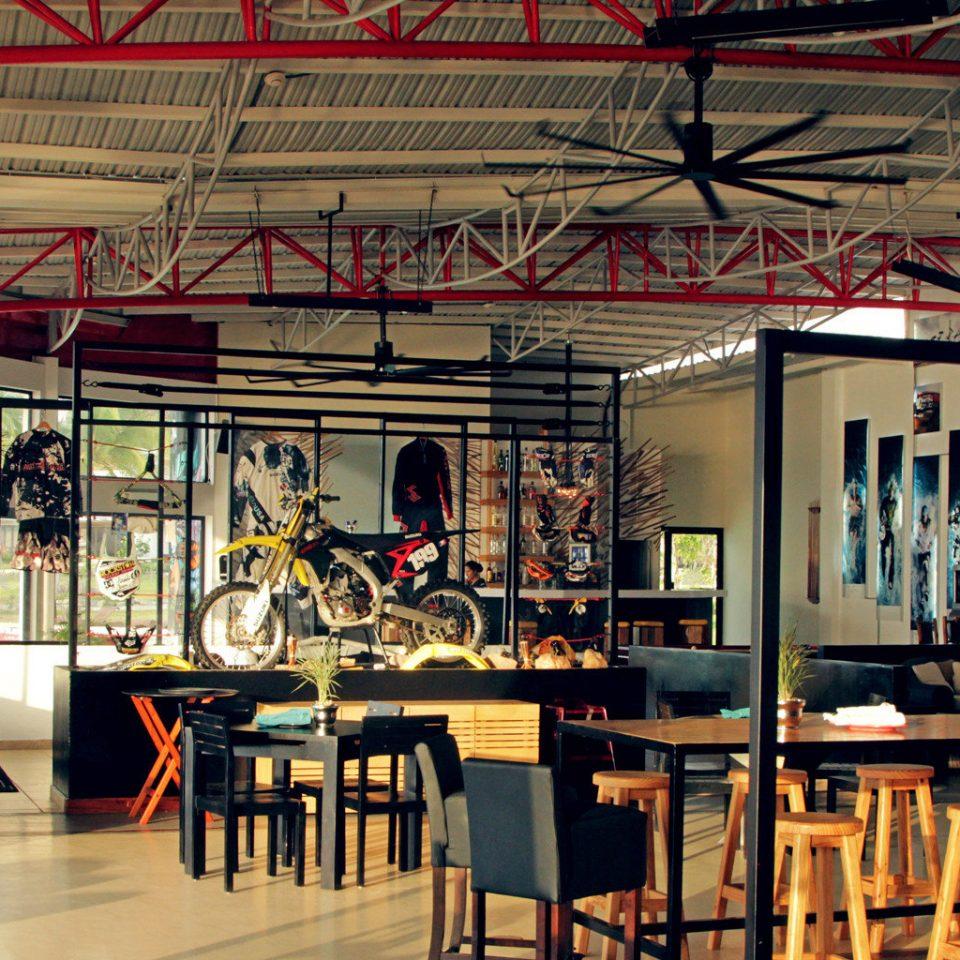 Dining Drink Eat Modern restaurant Bar