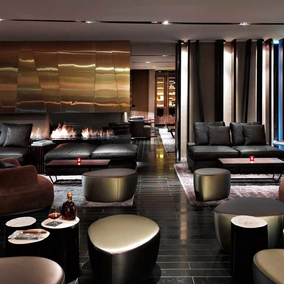 Bar Dining Drink Eat Lounge Lobby living room vehicle restaurant conference hall Suite yacht function hall