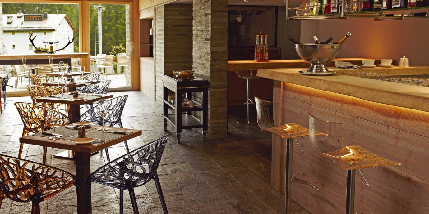 Bar Dining Drink Eat Resort Rustic Scenic views property Kitchen countertop home cabinetry cottage restaurant farmhouse