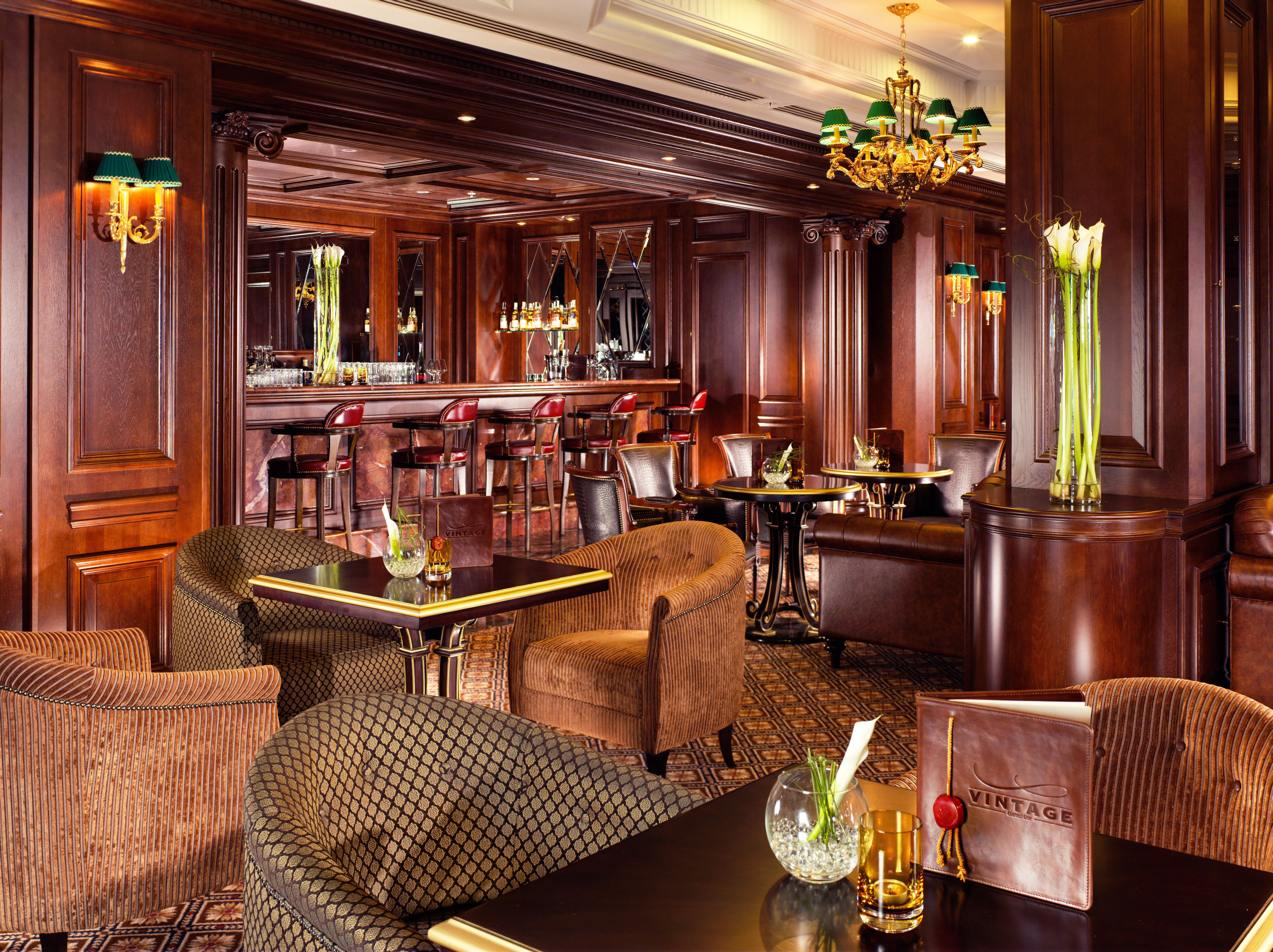 Bar Dining Drink Eat Historic Luxury chair Lobby home restaurant living room Suite