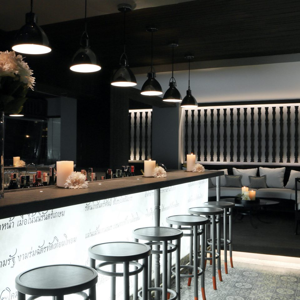 Bar Dining Drink Eat Hotels Modern restaurant lighting café coffeehouse