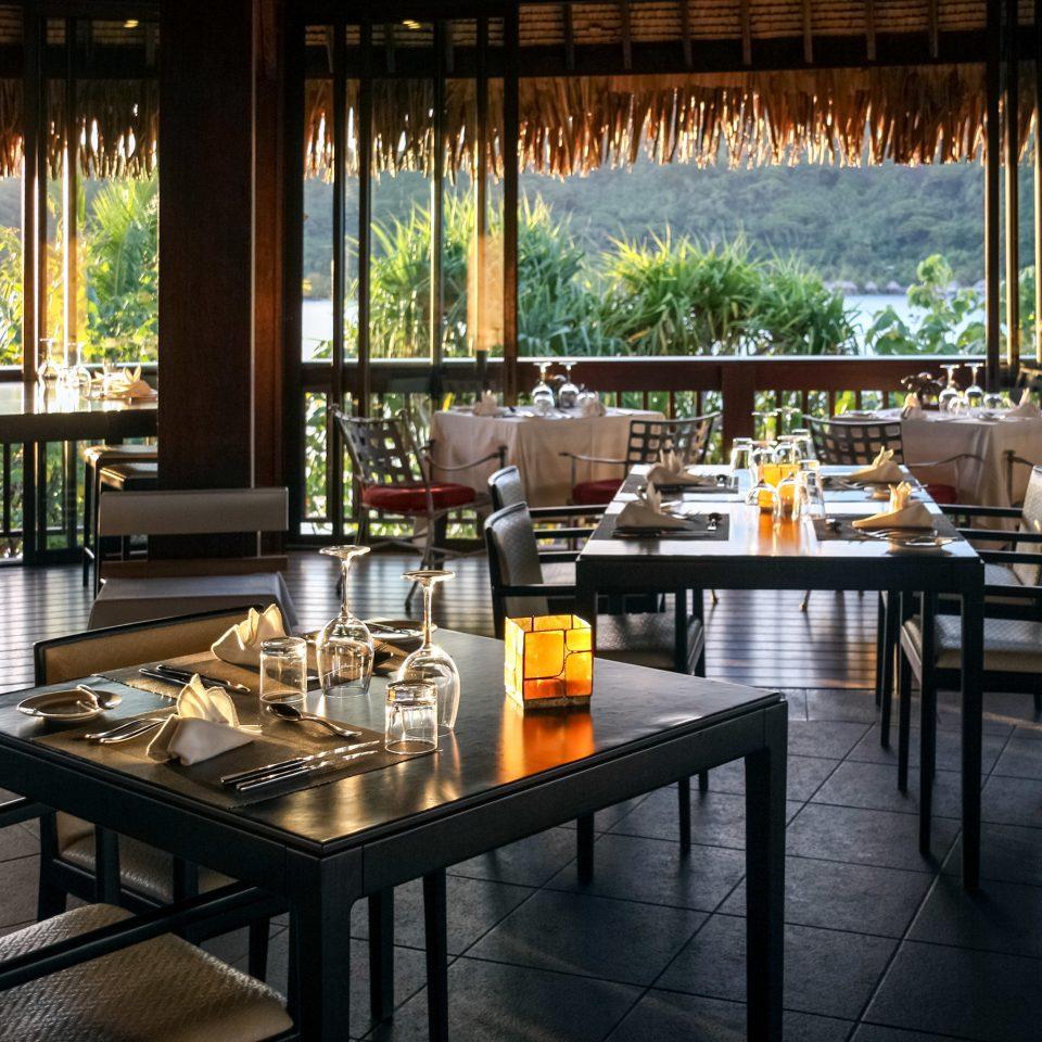 Dining Drink Eat Resort Scenic views property restaurant Bar