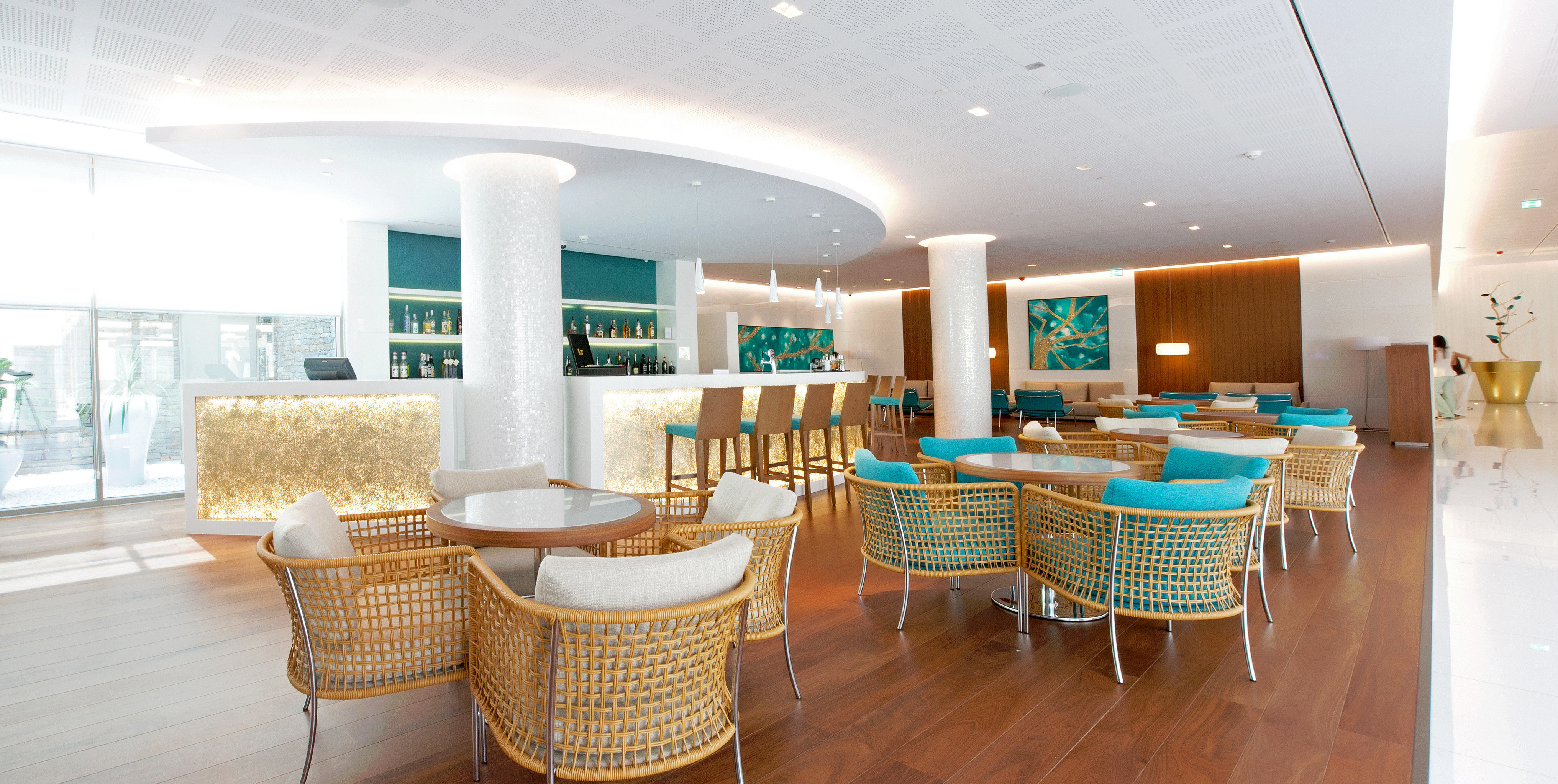 Bar Dining Drink Eat Modern property chair condominium living room home Suite Lobby