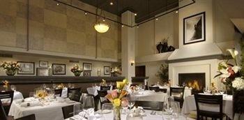 Dining Drink Eat Kitchen function hall counter restaurant ballroom banquet Island Bar dining table