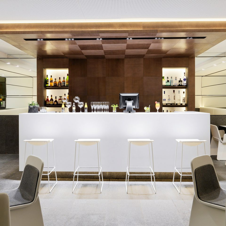 Bar Dining Drink Eat Hip restaurant Lobby condominium conference hall lighting function hall cafeteria convention center headquarters