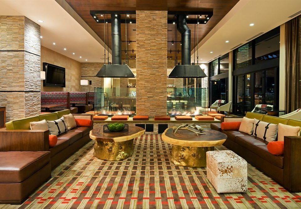 Dining Drink Eat Resort Lobby restaurant living room Bar condominium function hall
