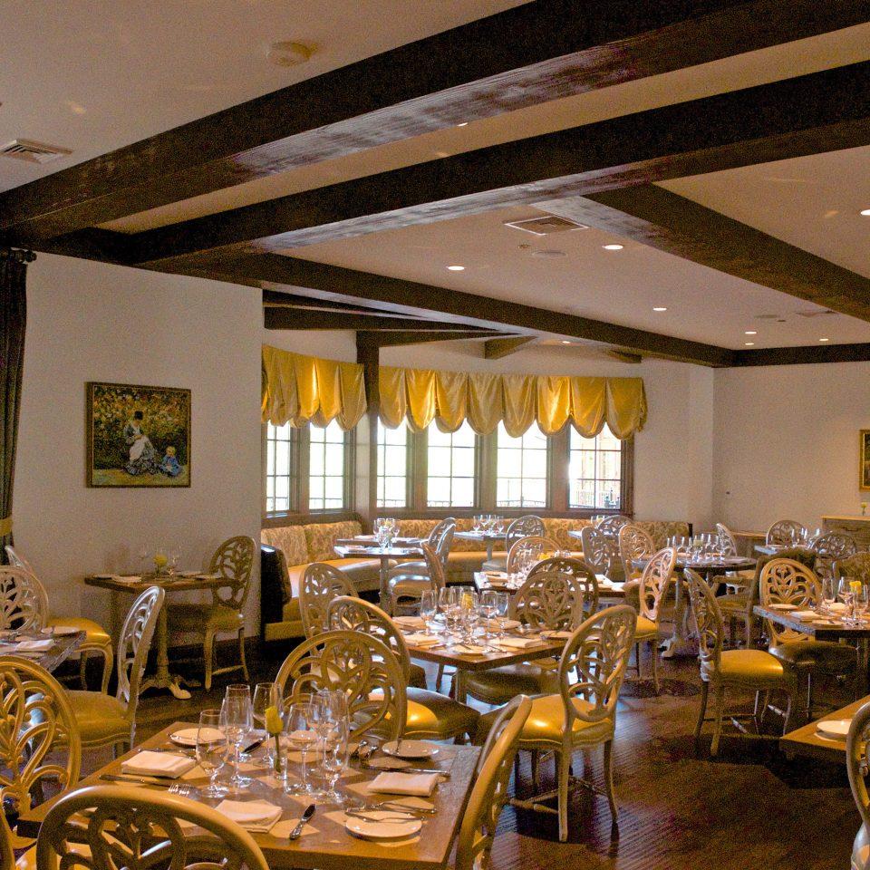 Dining Drink Eat Inn Wellness chair restaurant function hall Resort ballroom Lobby Bar dining table