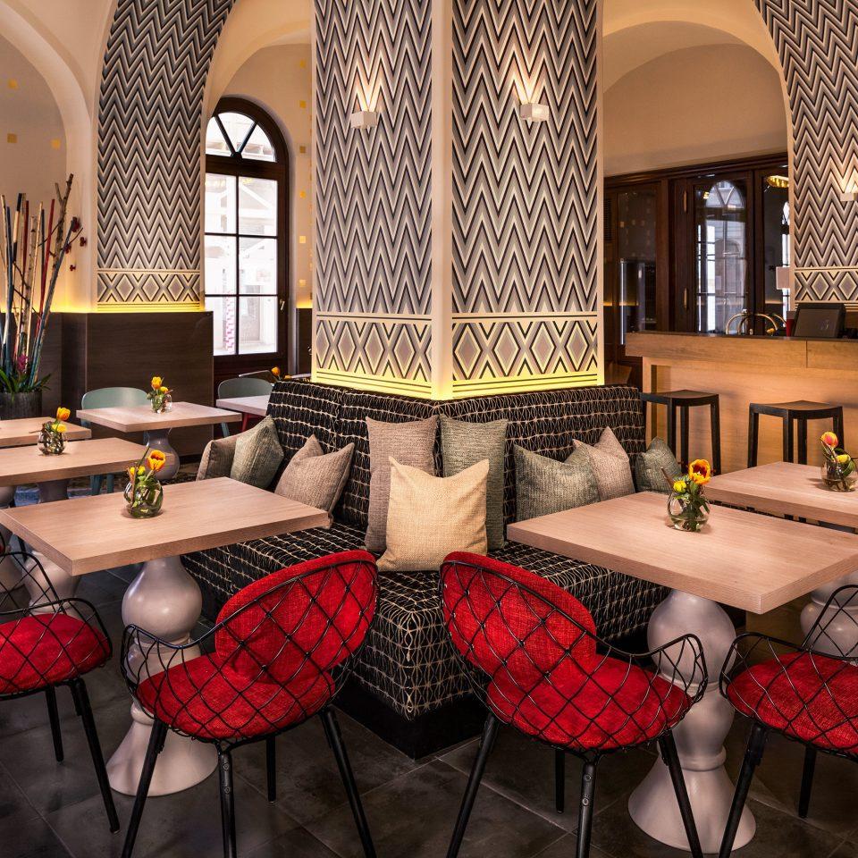 Bar Dining Drink Eat Hip living room home restaurant Lobby mansion