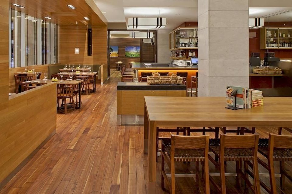 Bar Dining Drink Eat Hip Modern property Kitchen wooden cabinetry hardwood flooring countertop wood flooring home counter Island hard