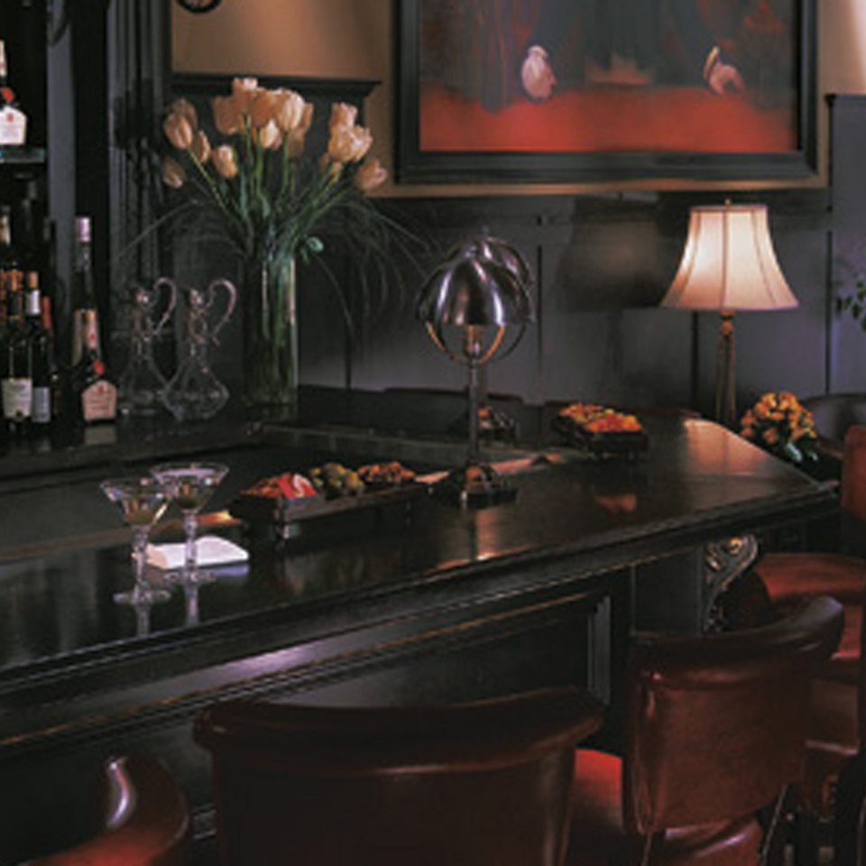 Bar Dining Drink Eat Luxury restaurant cuisine cluttered dining table