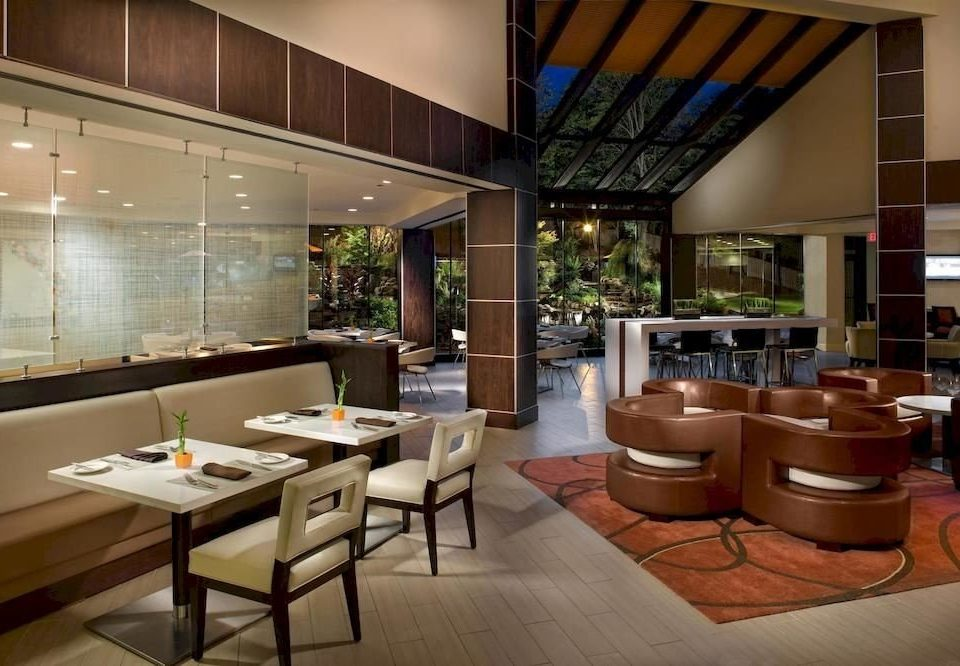 Bar Dining Drink Eat property Lobby condominium restaurant living room home Resort