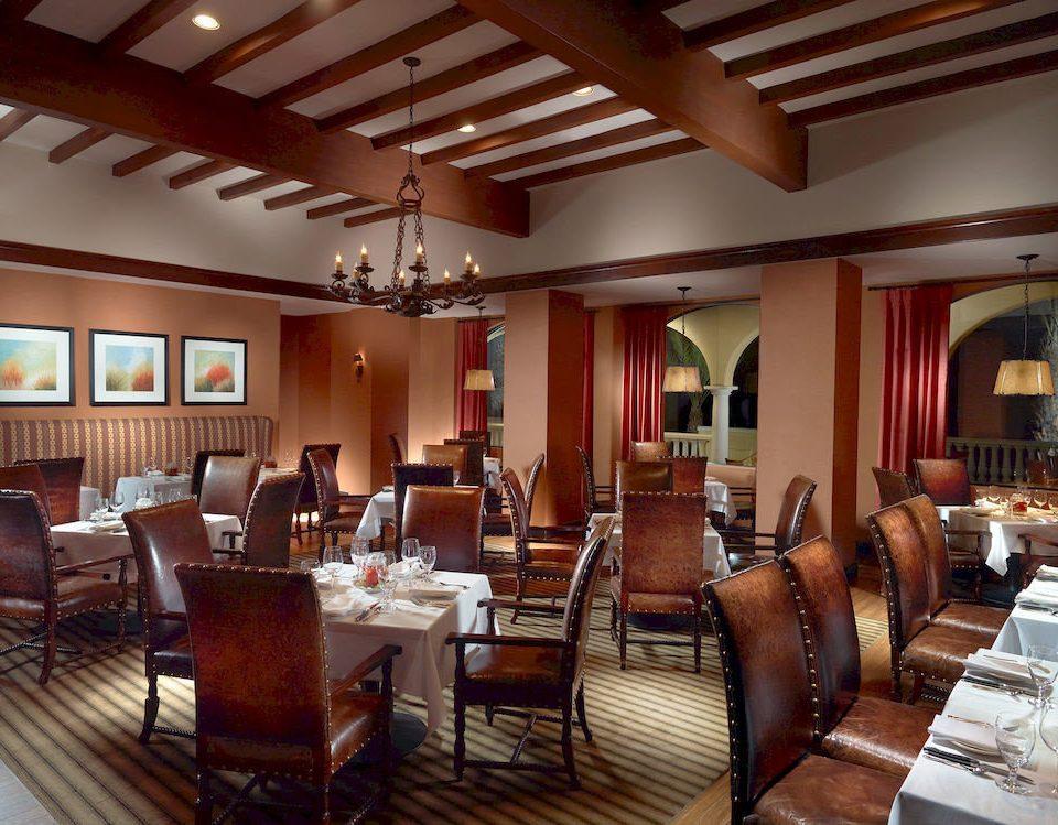 Bar Dining Drink Eat Luxury chair property Resort restaurant Lobby living room Suite function hall Villa